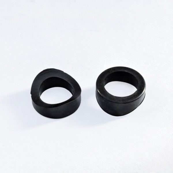 Rubbers for plastic clamp saddles